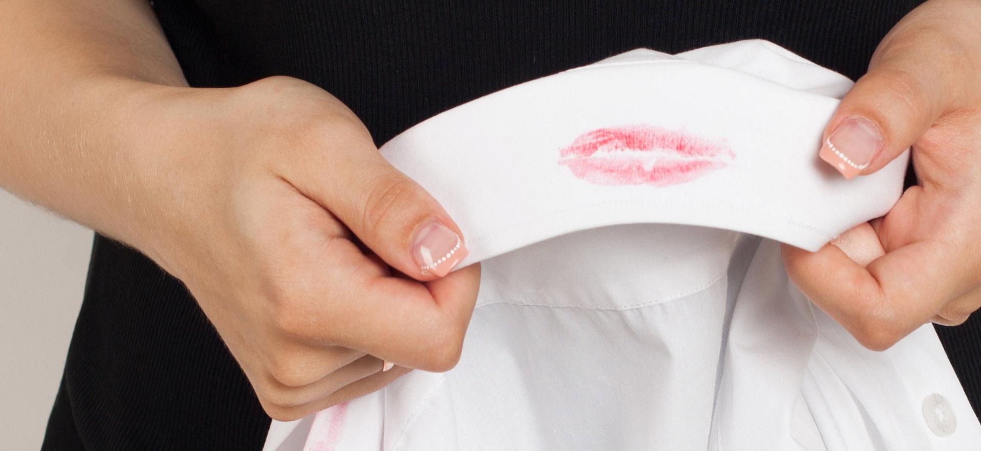 Schmink En Make Up Vlekken Verwijderen Doet U Zo Ls Housekeeping